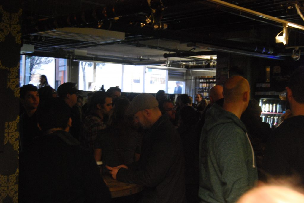The crowd, soon before the Sante Adairius beers tapped.